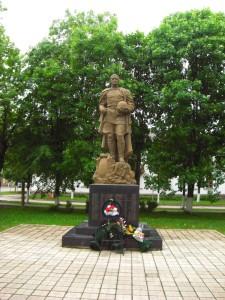 Памятник Новосокольники фото
